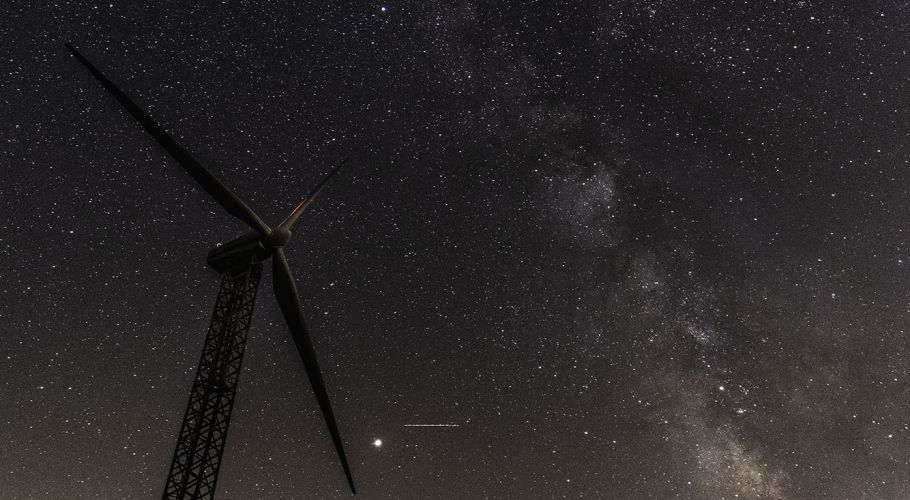 Wind turbine milky way